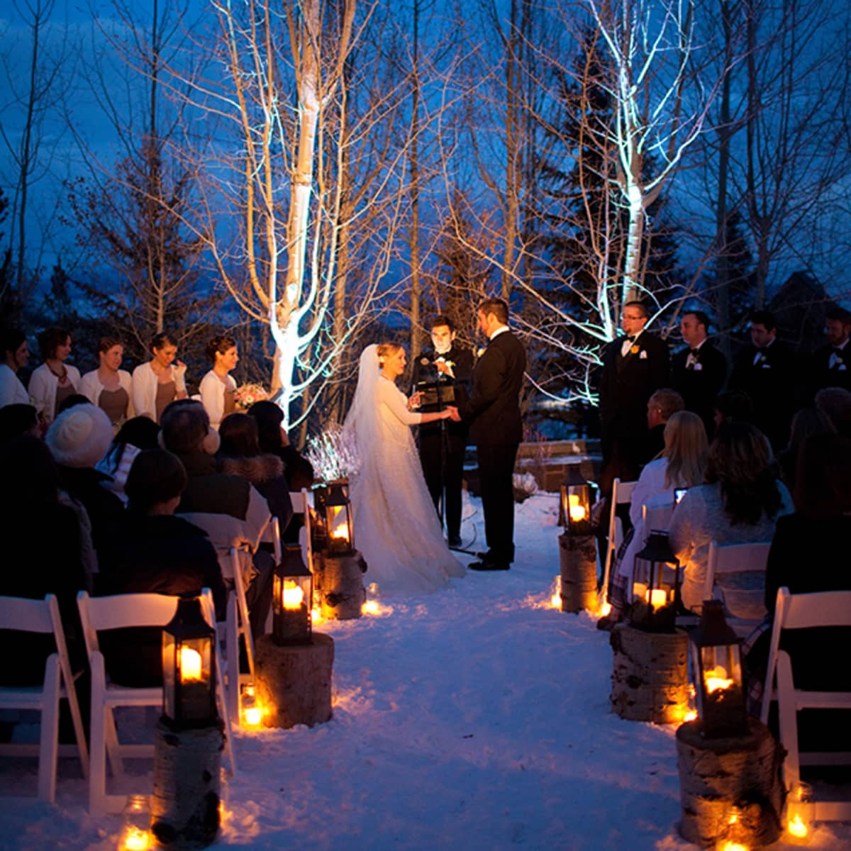 Winter Wedding Ceremony Ideas: Christmas Wedding