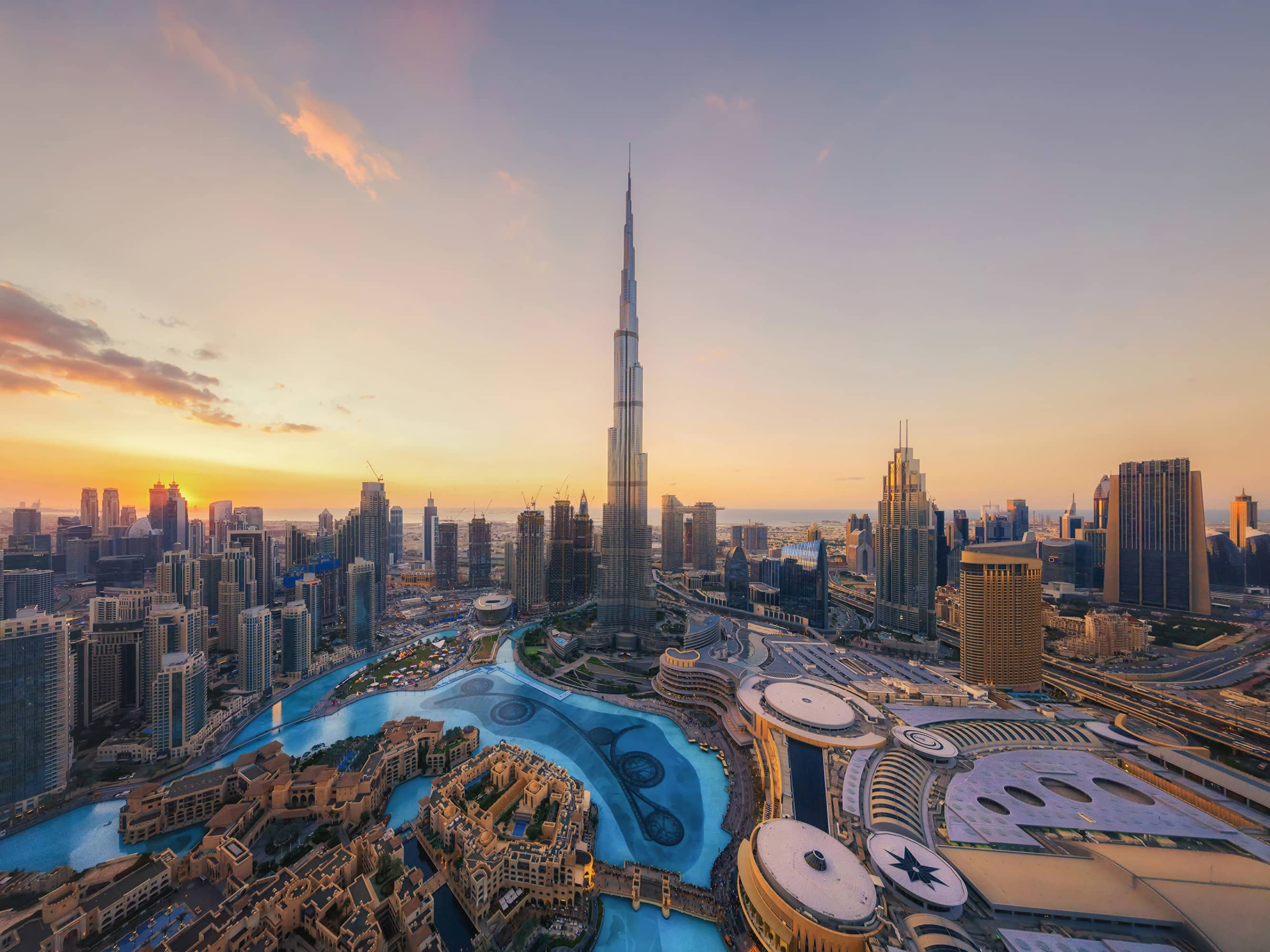 Watch the sun set from Dubai's iconic skyscraper