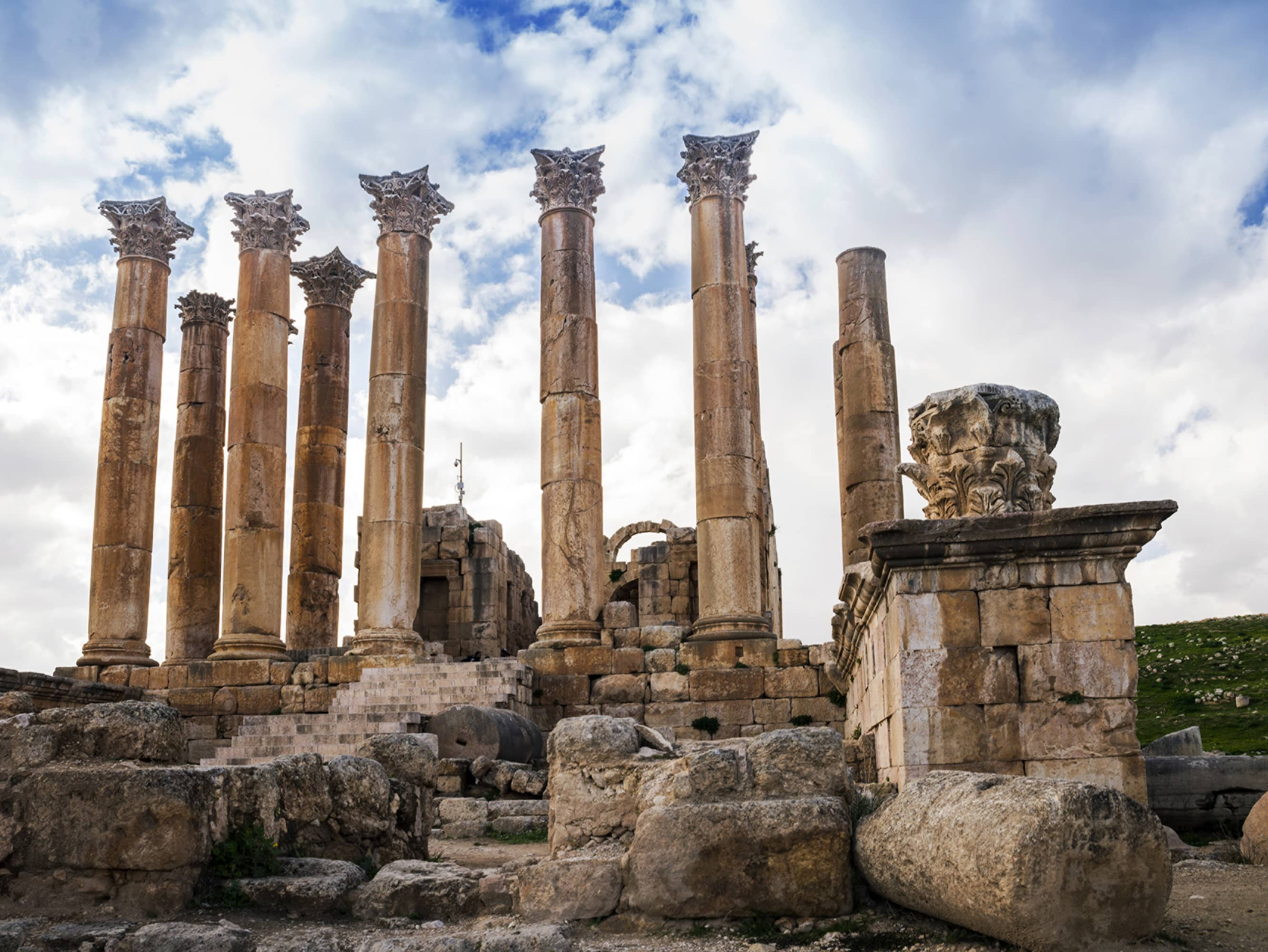 DISCOVER THE ROMAN RUINS OF JERASH