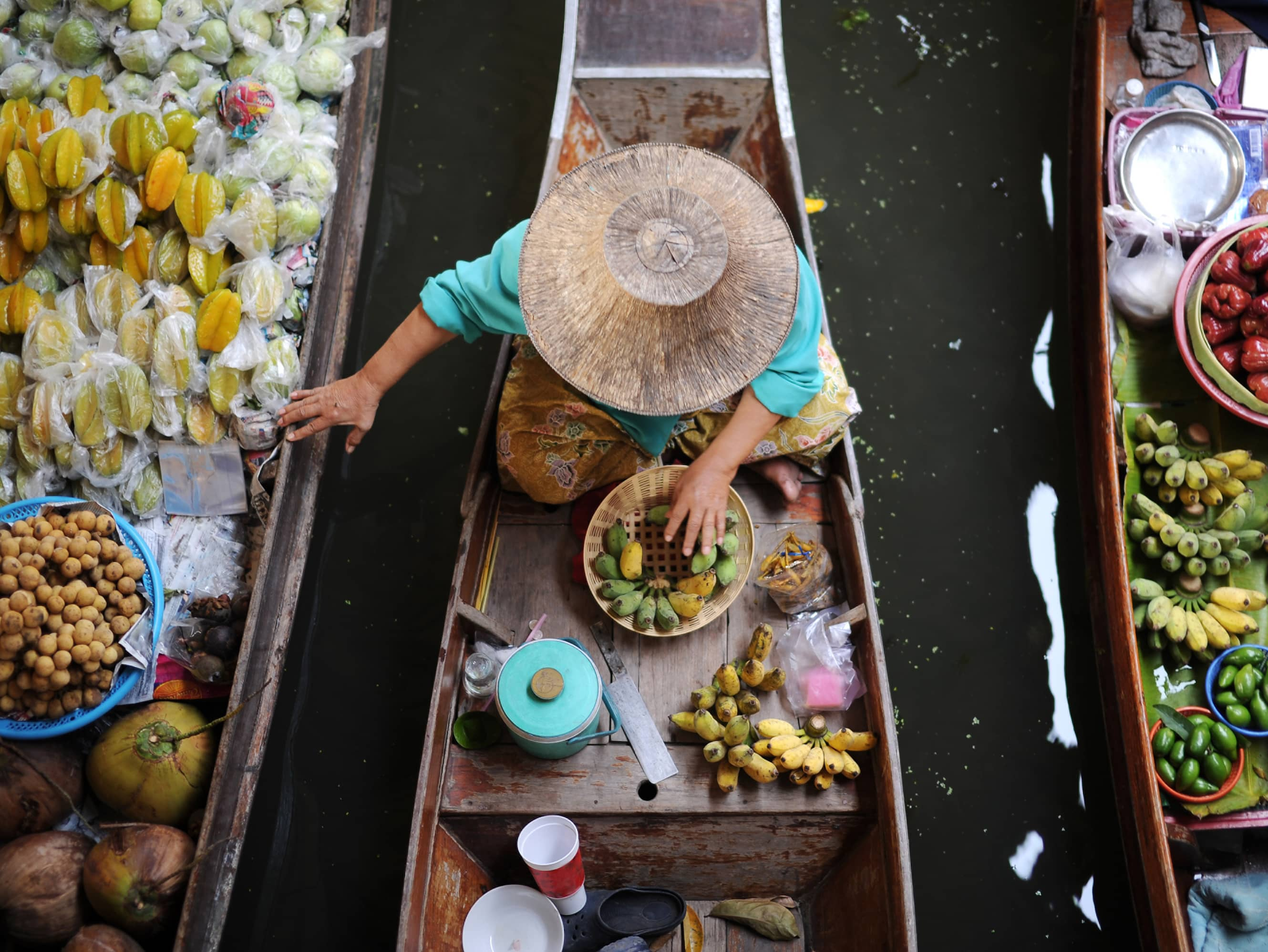 Experience traditional Thai life along the water