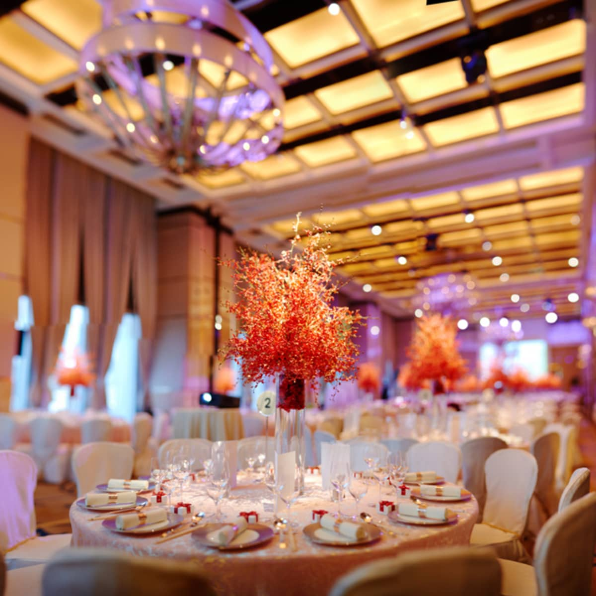 Everything Is In Place For Gary And Samantha S Elegant Reception At Four Seasons Hotel Hong Kong