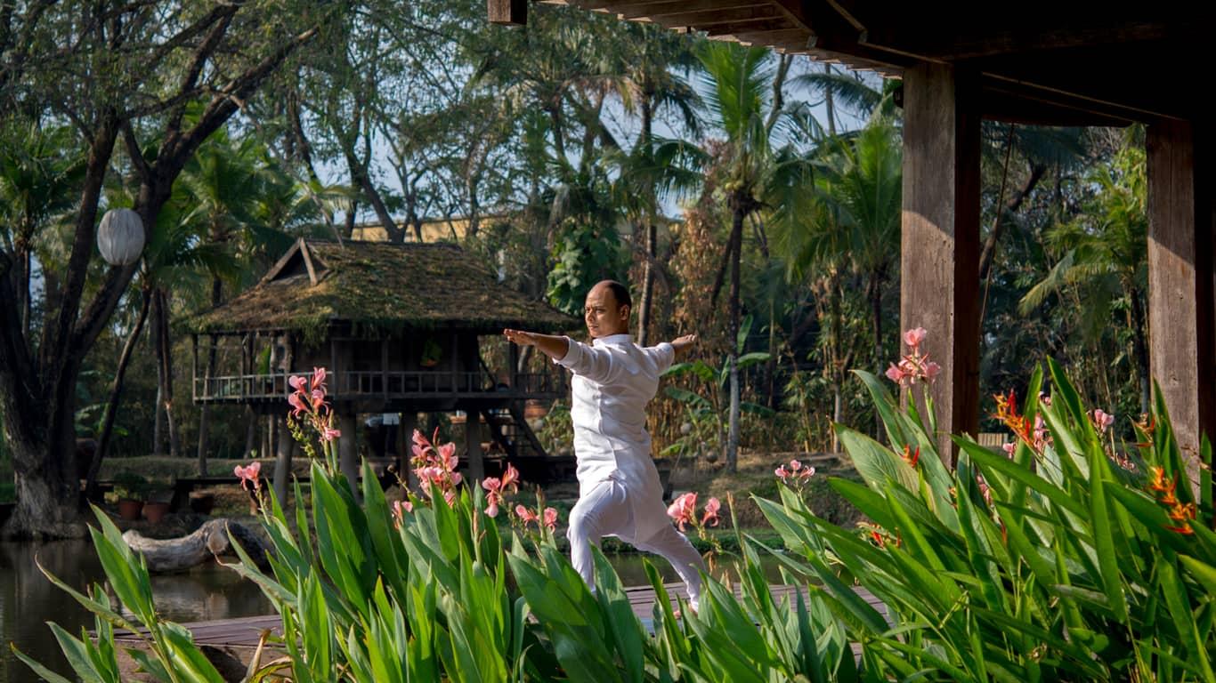 心灵瑜伽视频_清迈瑜伽静修和瑜伽课程 | 清迈四季度假酒店