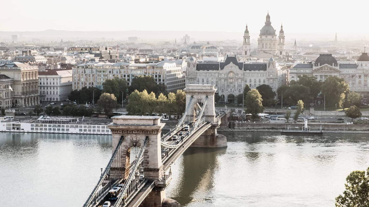 Széchenyi Chain Bridge over the Danube River, city views