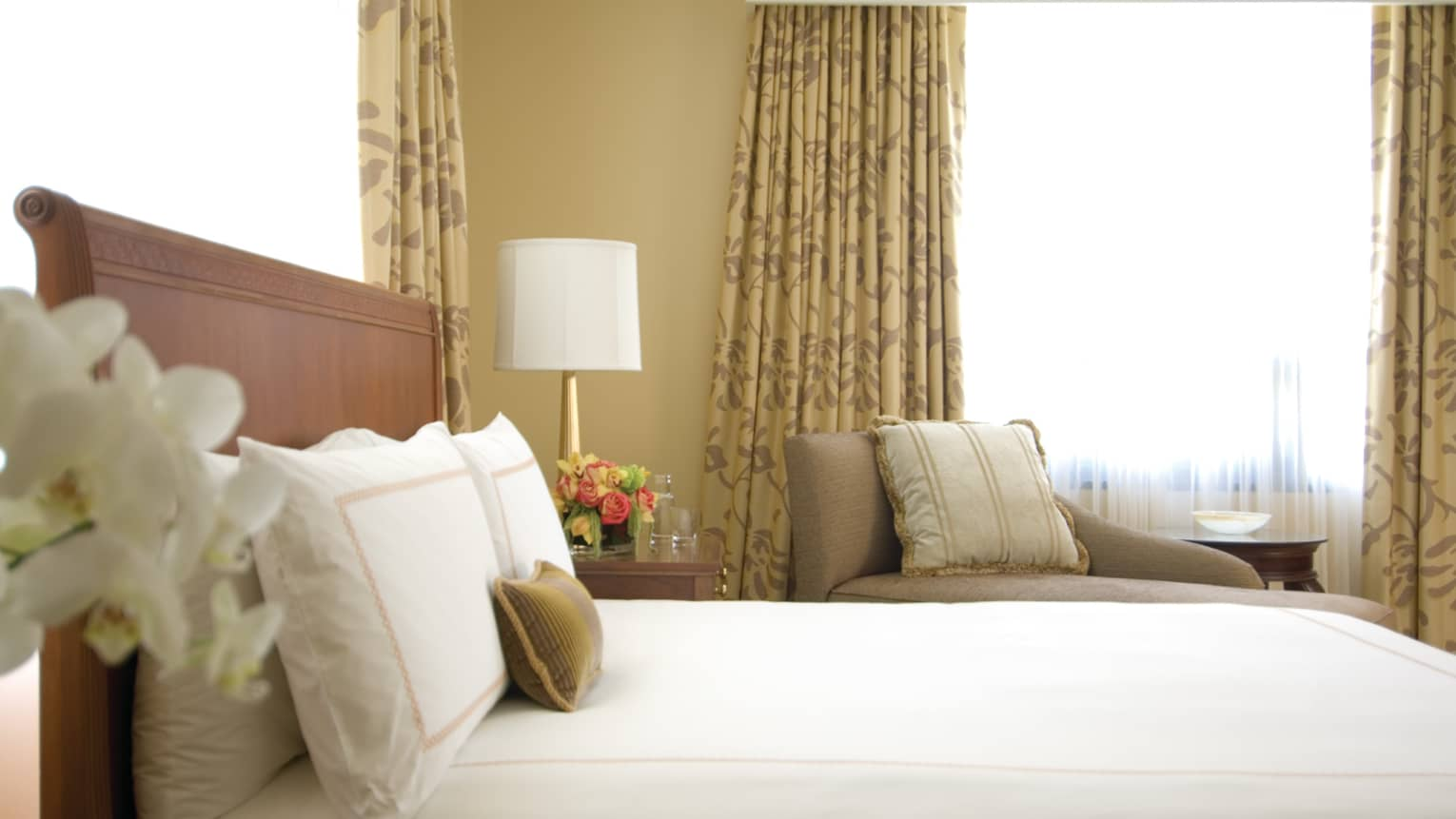 Atlanta Hotel Suites Rooms Luxury Accommodations Four Seasons