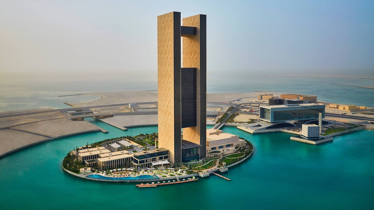 bahrain bay case study 4 q a Case analysis of bahrain bay brief contents part 1 case background part 2 marketing mix part 3 base on swot part 1 case background bahrain bay development is a joint venture between arcapita bank and a bahrain-based investment group.
