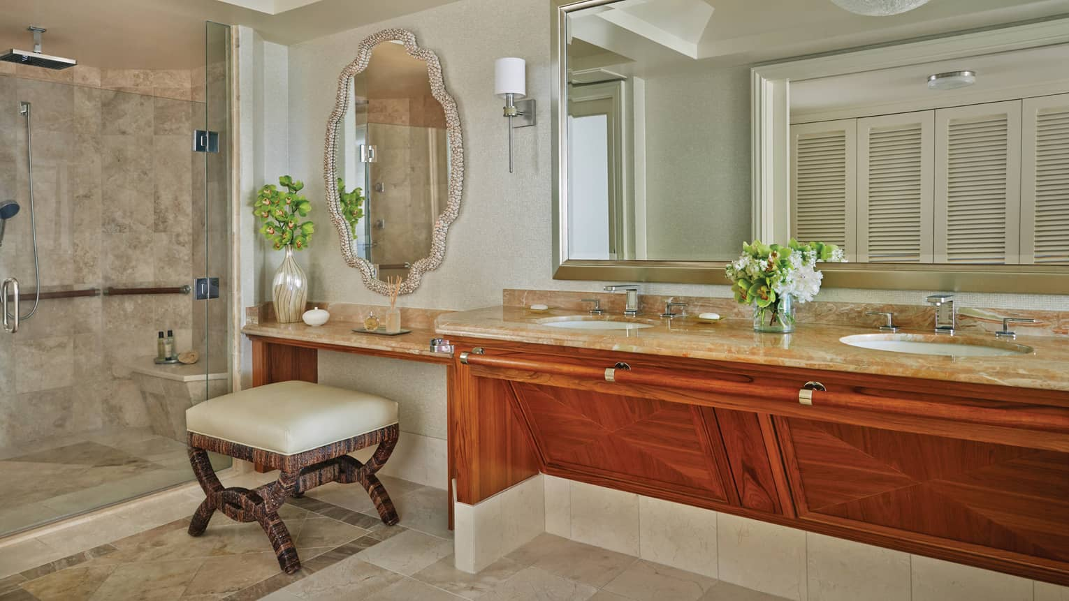 Lokelani Suite Master Bathroom with double vanity and makeup mirror