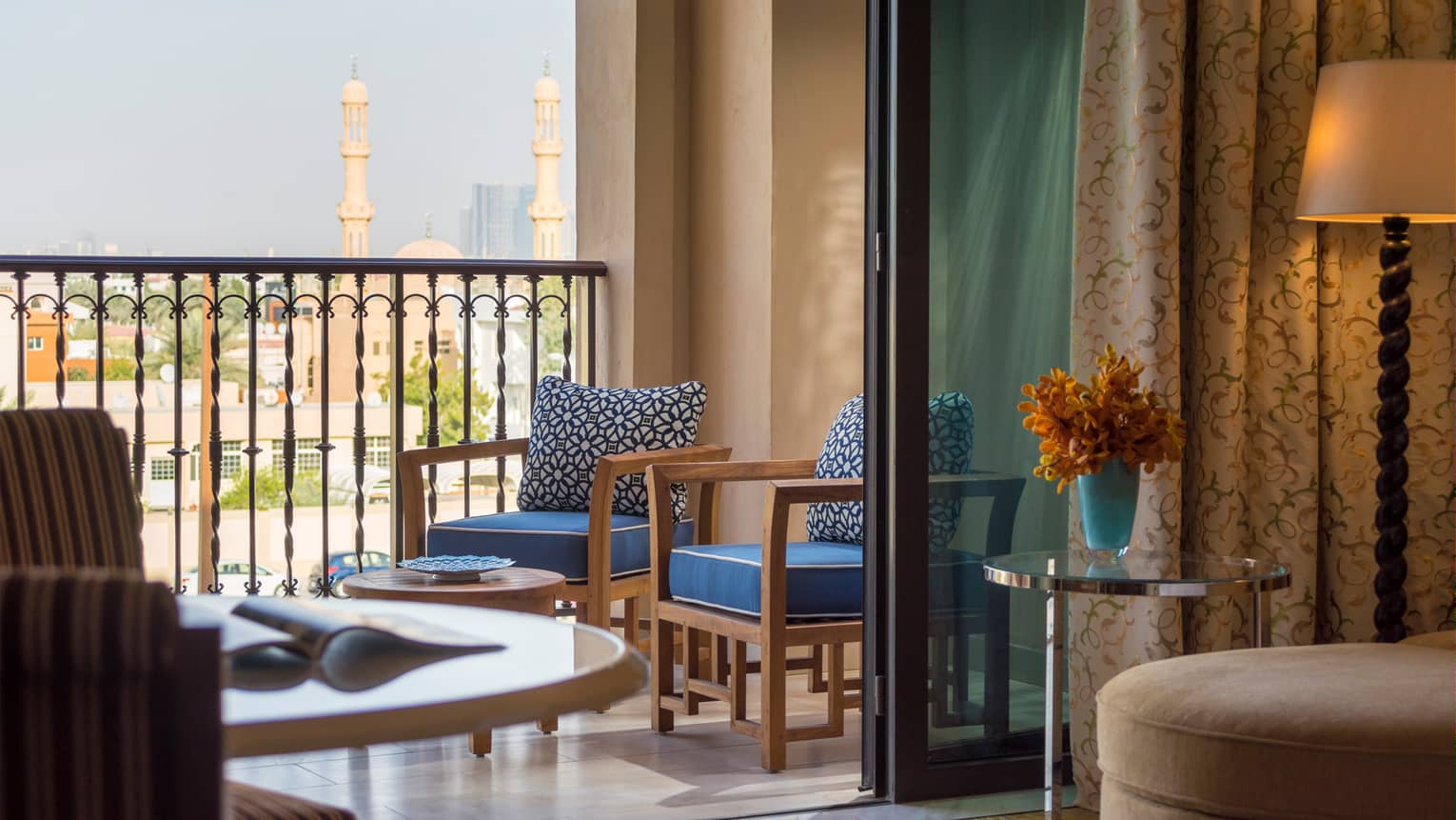 Jumeirah Beach Resort Suite With Dubai Skyline View Four
