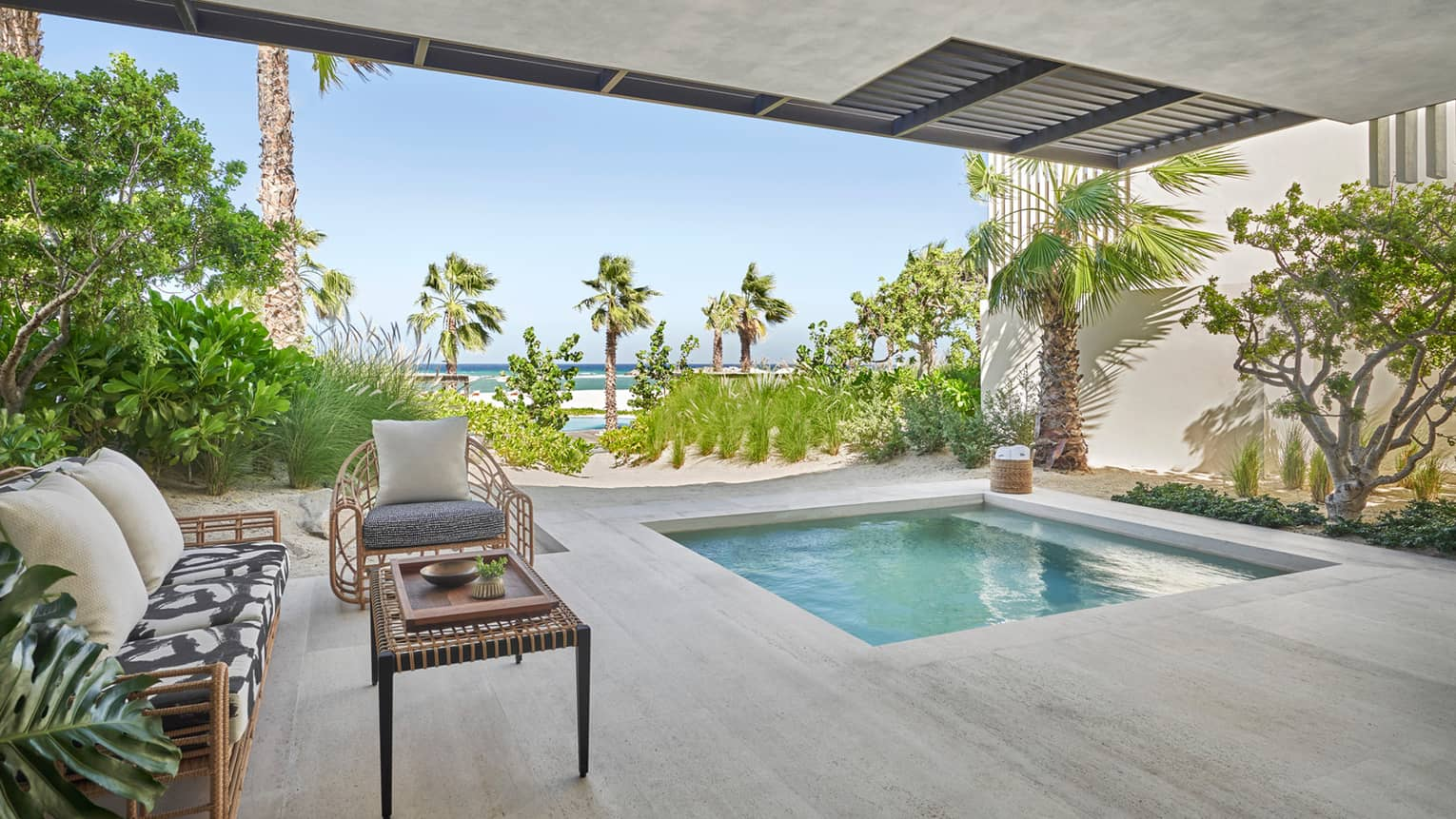 Modern outdoor patio and wading pool in Ocean Executive Suite