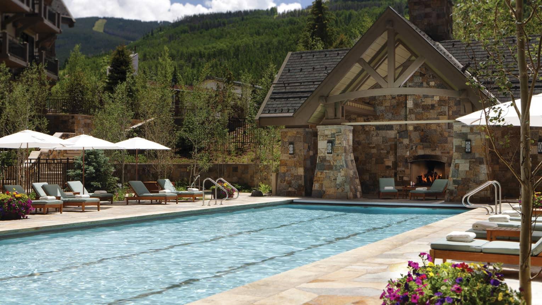 Vail colorado resort luxury ski resort lodge four for Chair 4 cliffs vail