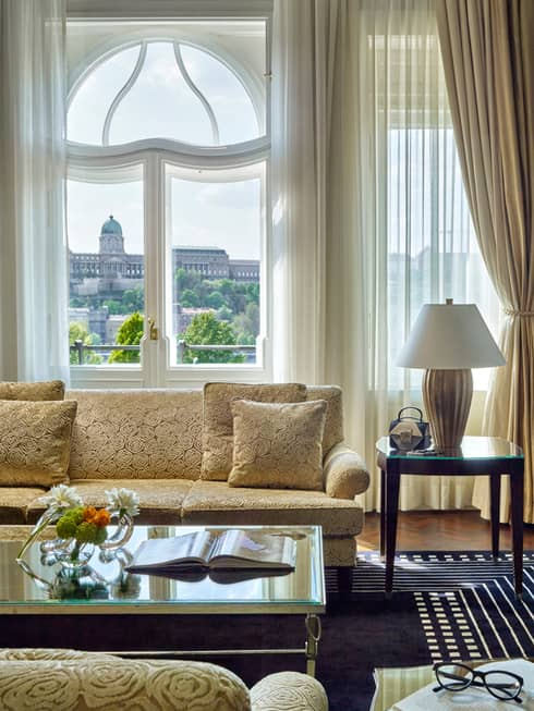 Exotic Hotel Rooms: Budapest Luxury Hotel Rooms & Suites, Four Seasons Gresham
