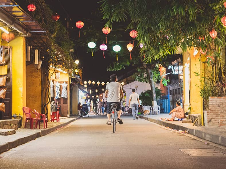 Enjoy a Festive Street Dinner in Hoi An's Old Town