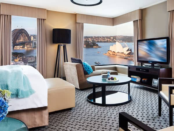 Four Seasons Hotel Sydney room