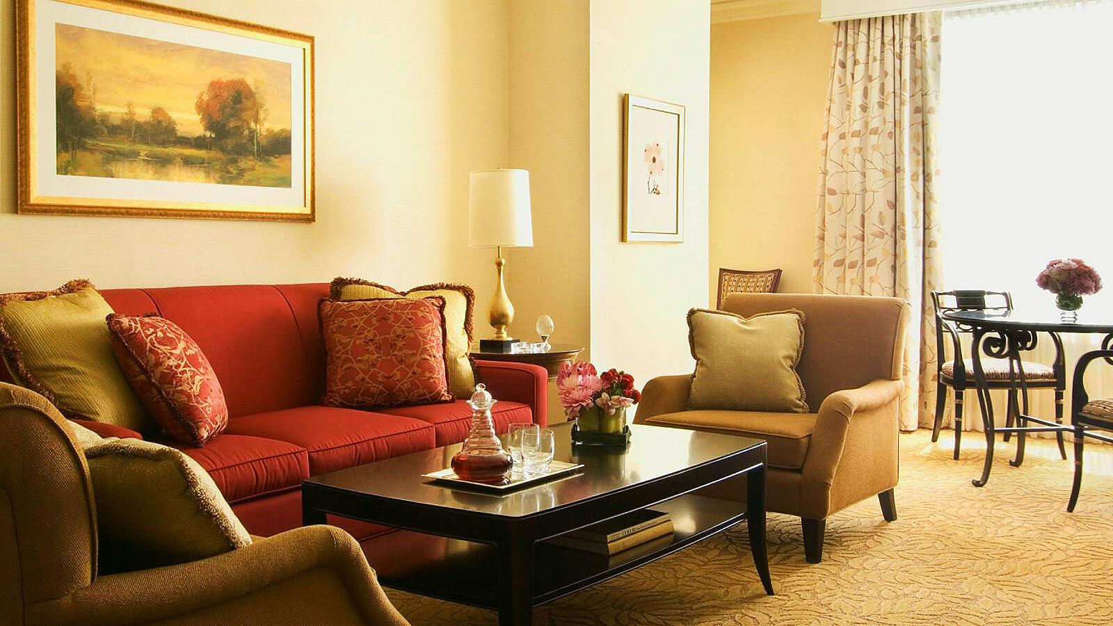 Four Seasons Atlanta Luxury Hotel Room