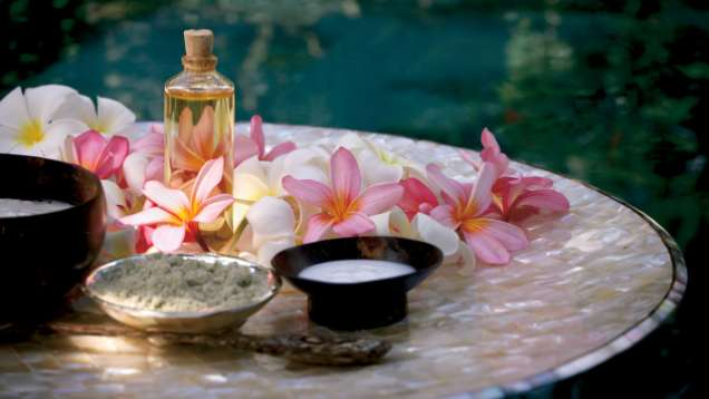Toronto spa massage facial four seasons hotel toronto for 4 seasons beauty salon
