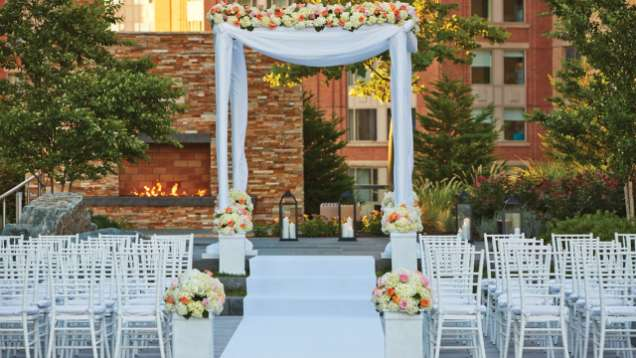 Four Seasons Hotel Baltimore Is Proud To Work Hand In With Our Featured Kosher Caterer Create Wedding Menus That Are Uniquely Yours
