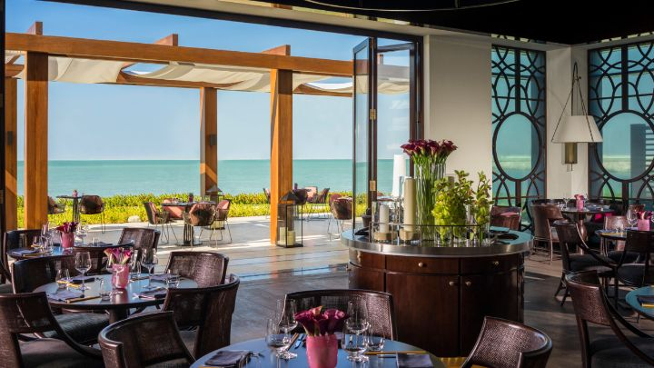 Among Dubais Best Dining Destinations Four Seasons Resort Dubai At Jumeirah Beach Features 10 Distinctive Venues Our Includes Five Options From
