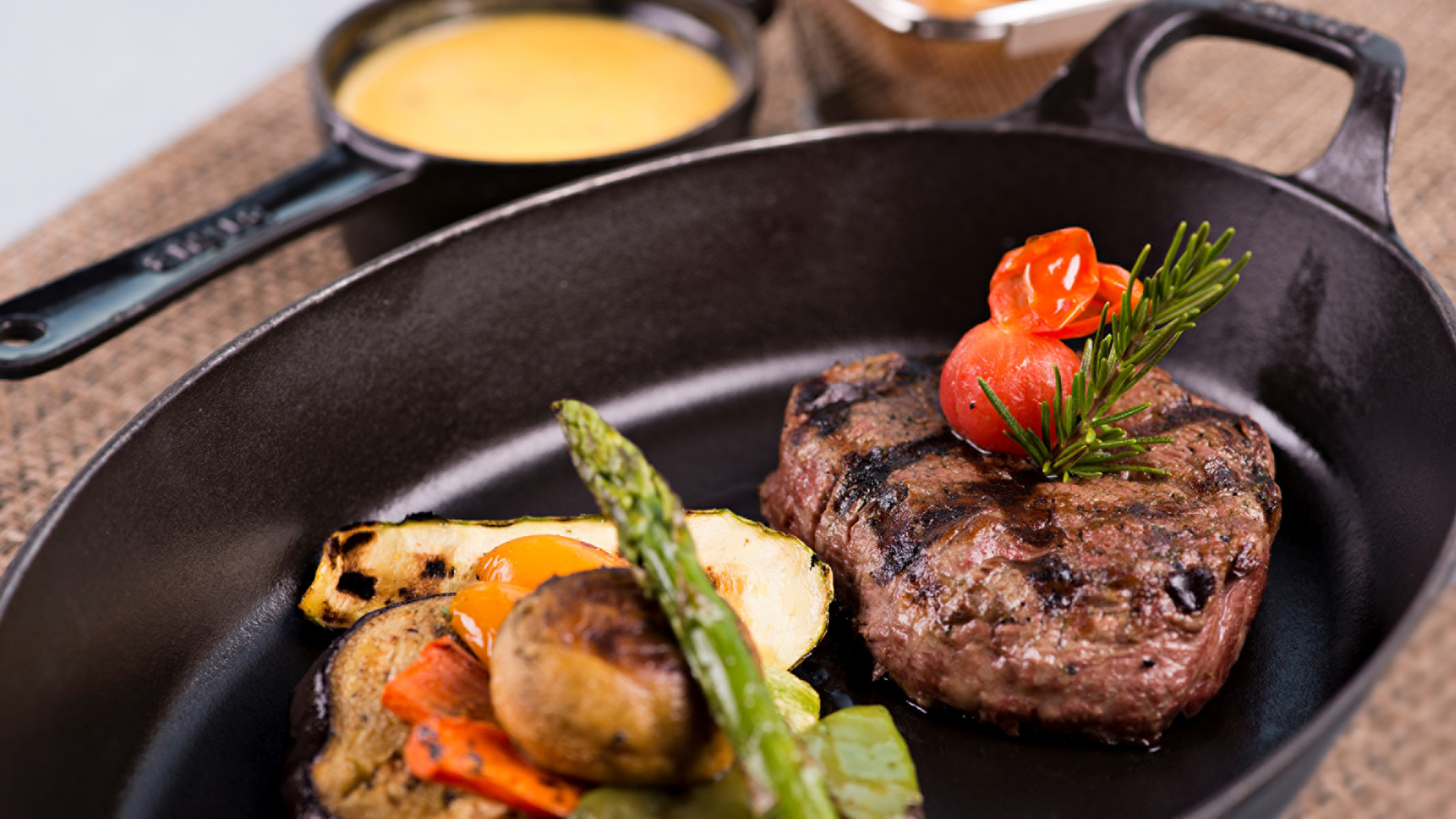 BBQ Charcoal Night at Pool Grill in Four Seasons Doha