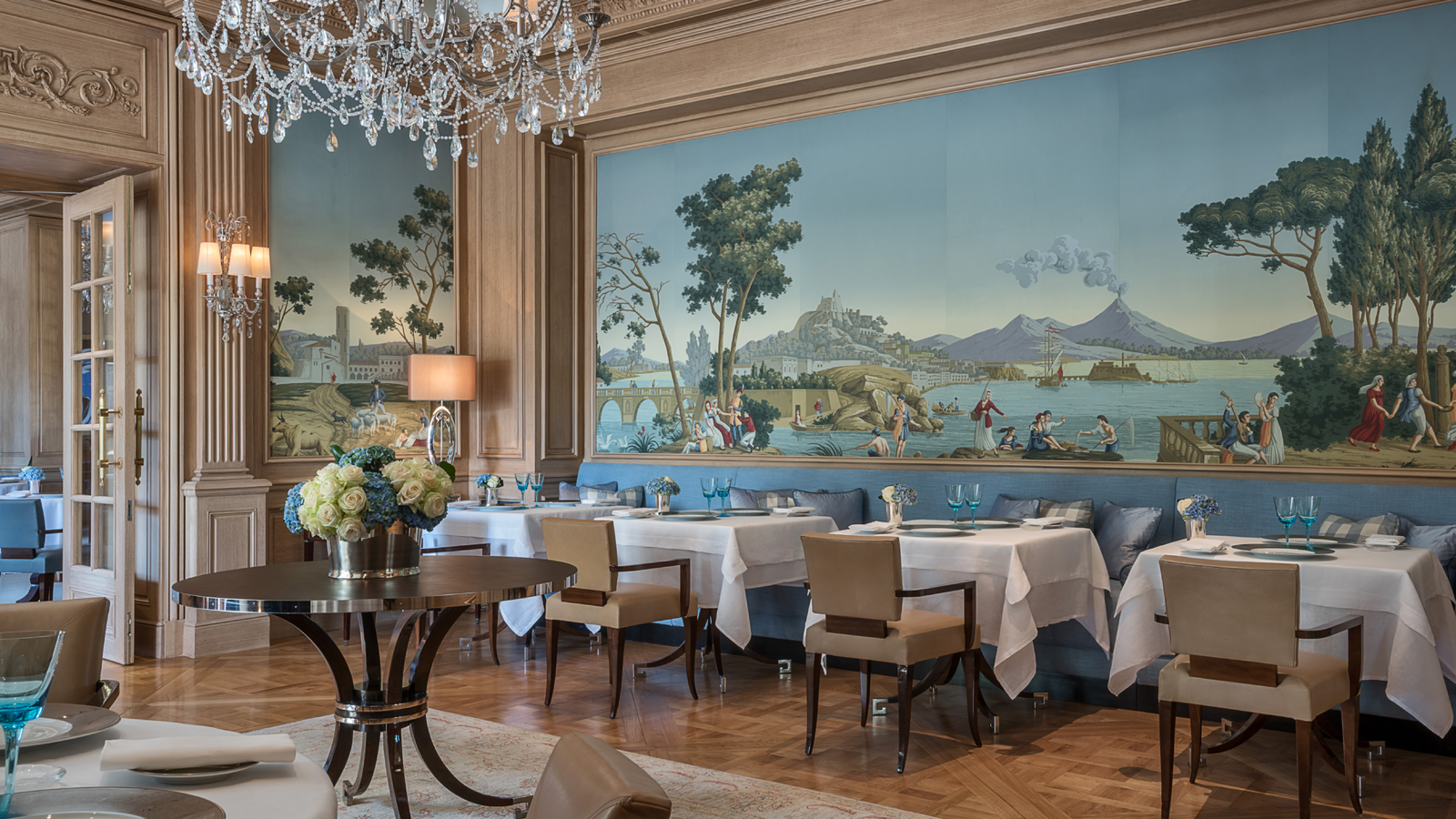 Michelin starred paris restaurants at four seasons hotel for Michelin hotel france