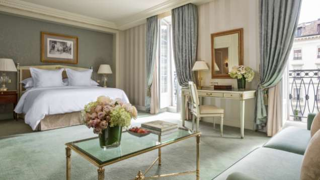 Junior Suite at Four Seasons Hotel des Bergues Geneva