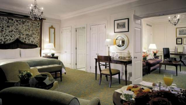 Four Seasons Hampshire Luxury Hotel Room