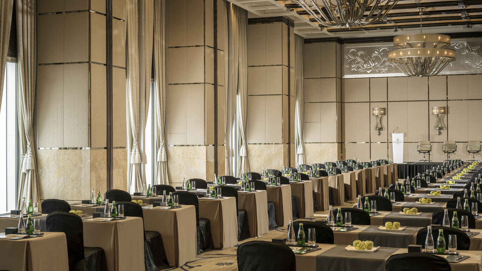 four seasons hotel hong kong  u2013 perfect for corporate
