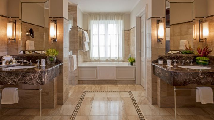 Separate vanities at the Four Seasons The Westcliff
