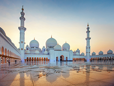 Opt for a day trip to nearby Abu Dhabi