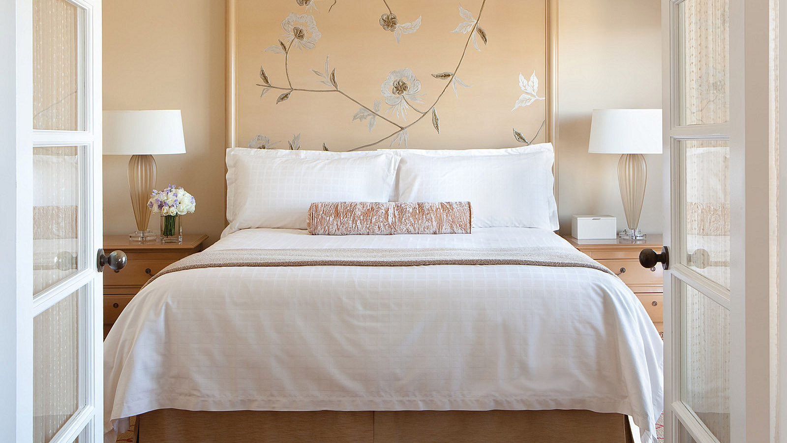 Los angeles luxury hotel room packages four seasons los for Most luxurious hotel in los angeles