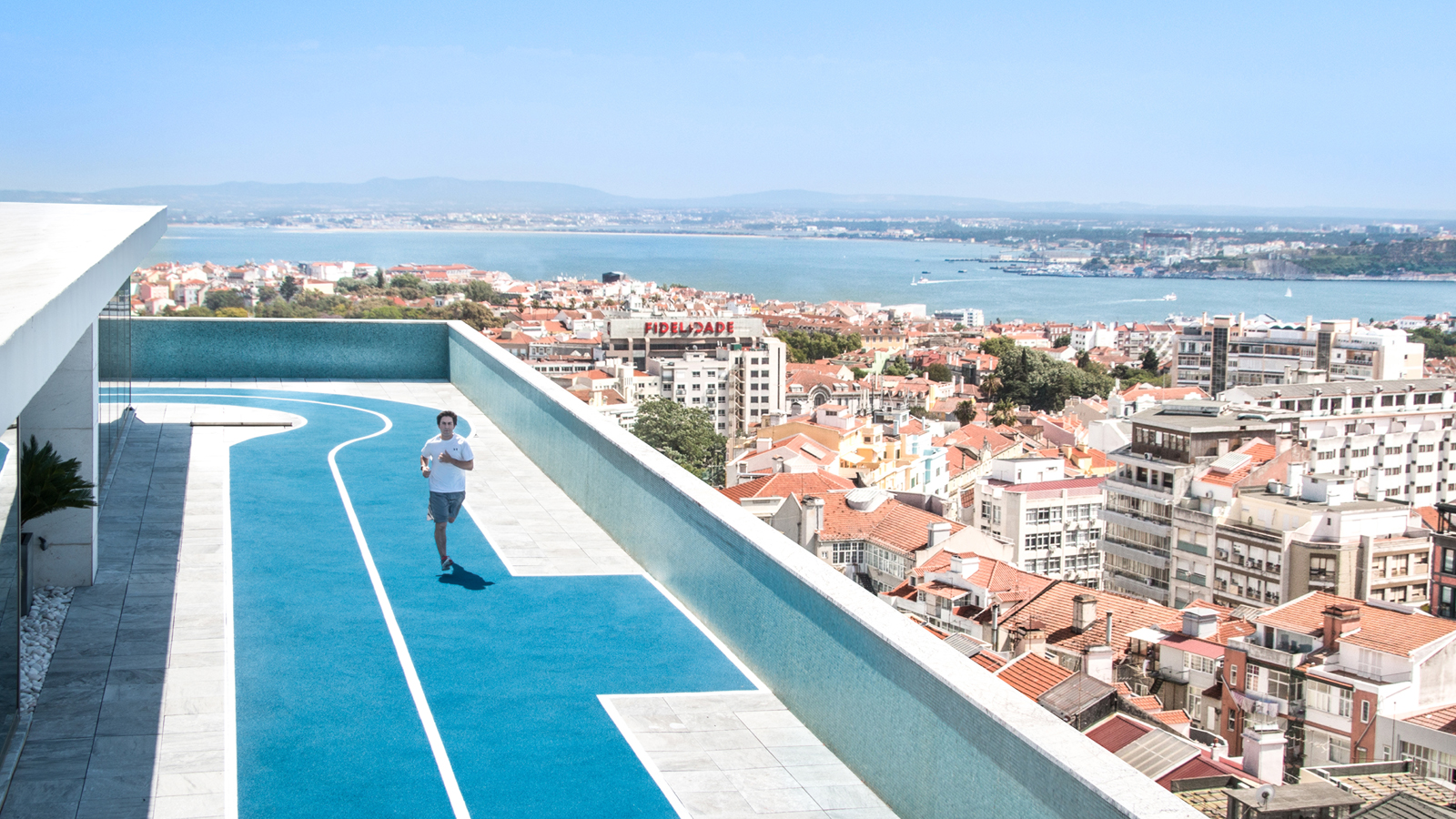 Experience lisbon 39 s only outdoor rooftop running track at for Terrace jogging track