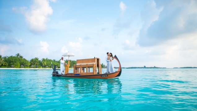 heiraten auf den malediven hochzeitspakete four seasons resort maldives at kuda huraa. Black Bedroom Furniture Sets. Home Design Ideas