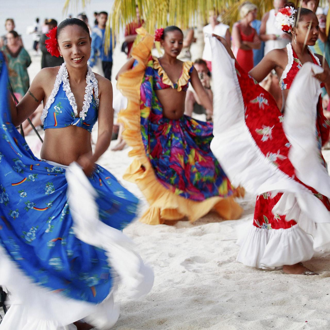 Sega Dancing Four Seasons Resort Mauritius At Anahita