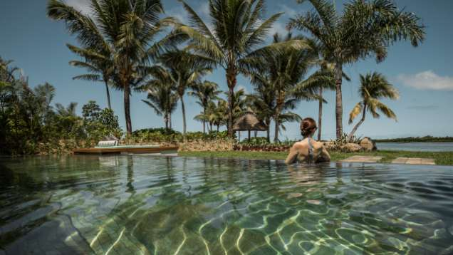 California-Edge Pool at Four Seasons Resort Mauritius at Anahita