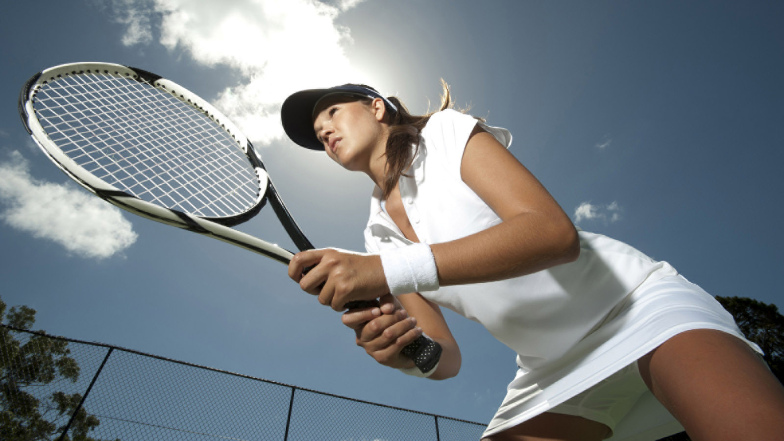 Shanghai Racquet Club – Located 16 Miles from Four Seasons Hotel Shanghai