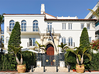 Enjoy a gala dinner at the Versace mansion