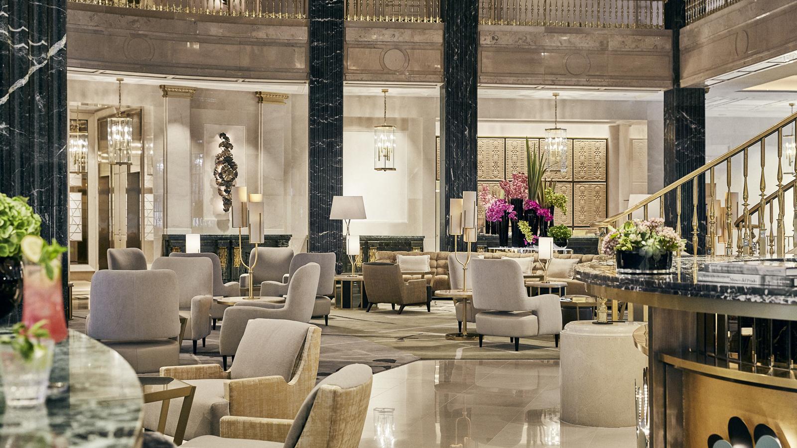 El Patio del Four Seasons Hotel Madrid, de ser el centro de una gran institución financiera a corazón del nuevo gran hotel de la ciudad