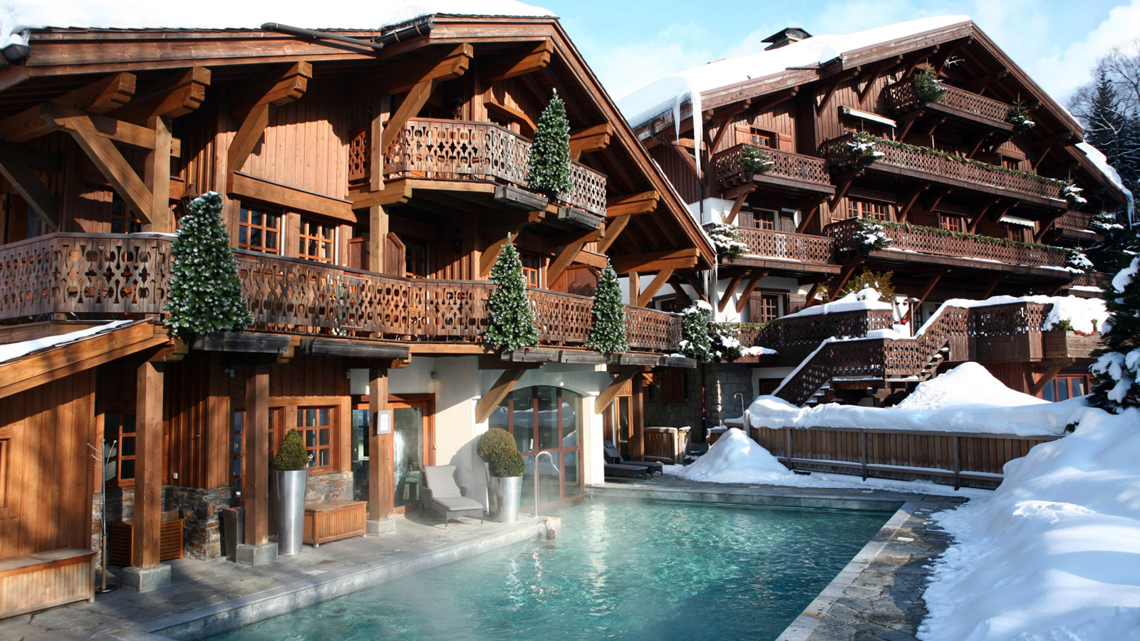 Le Refuge Megeve Architecte four seasons to introduce luxury experience in the french