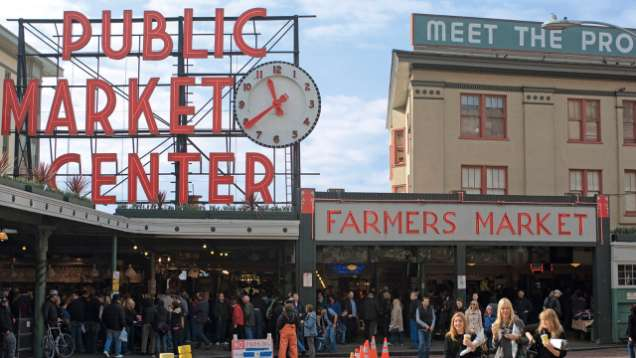 Tour Pike Place Market near Four Seasons Hotel Seattle