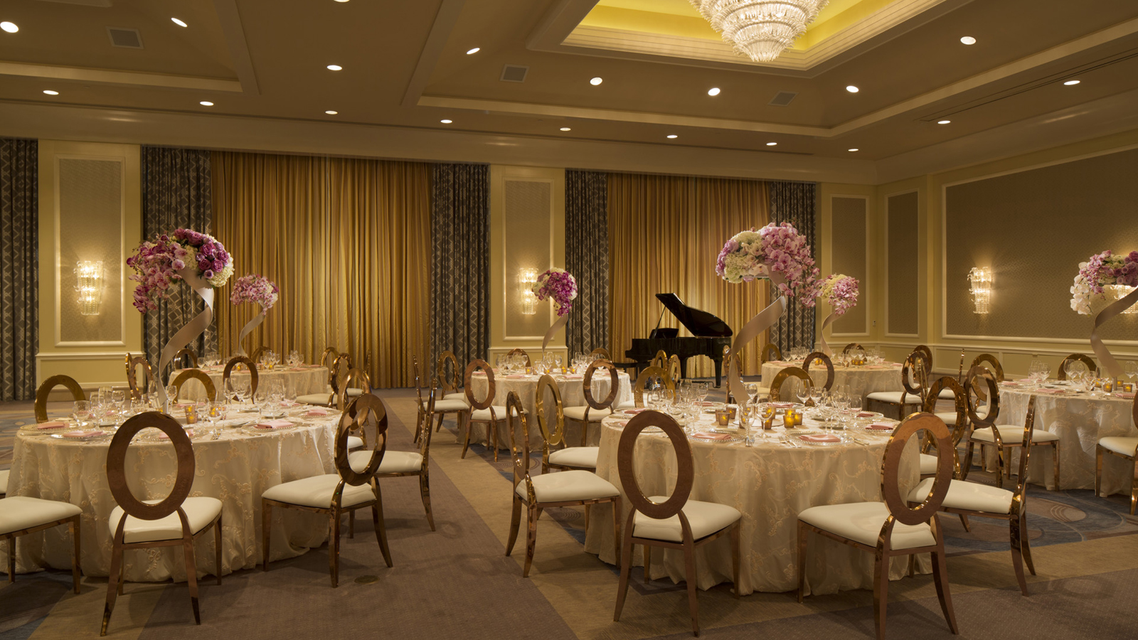 San francisco hotel wedding venue four seasons san francisco overseen by the warm thoughtful expert assistance of our four seasons san francisco wedding specialist celebrate your special day in the bay area junglespirit Image collections