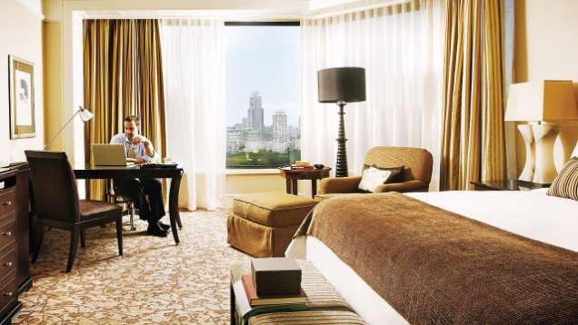 Bed And Breakfast Package at Four Seasons Hotel Singapore