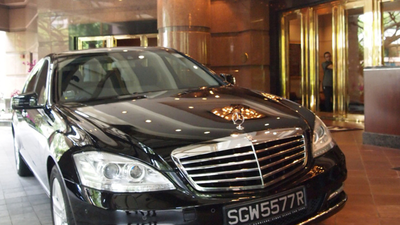 Limousine Services at Four Seasons Hotel Singapore