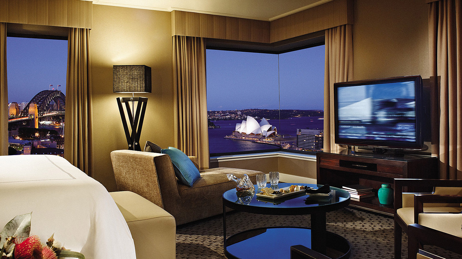 Four Seasons Sydney Luxury Hotel Room