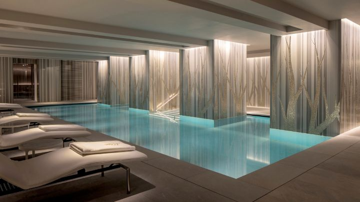 London luxury hotel indoor pool and spa four seasons for Top 10 luxury hotels london