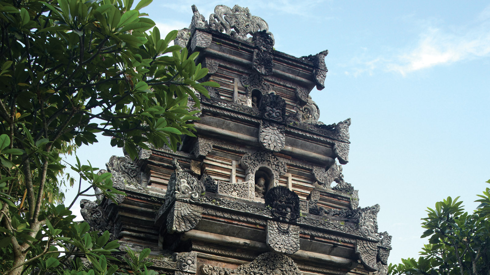 Find out More about Balinese Art, Culture and the Attractions in Bali – a Wonderful Tropical Paradise