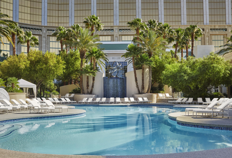 Luxury Hotel Las Vegas | 5 Star Hotel | Four Seasons Hotel Las Vegas