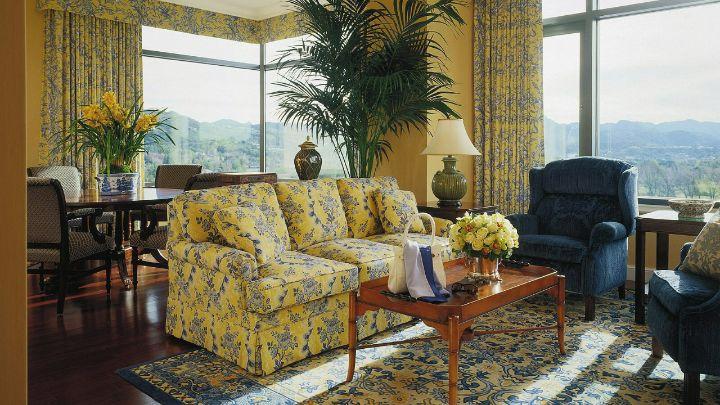 Westlake Village Hotel Rooms Suites