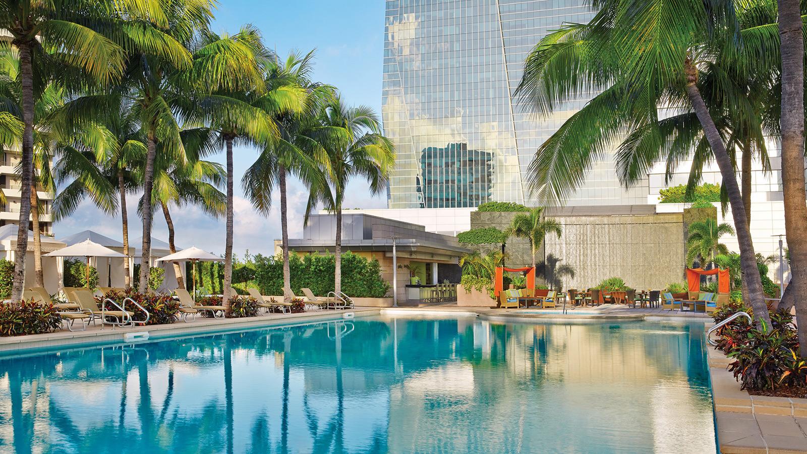 Luxury Hotel Miami | Family & Couples Retreat | Four Seasons Miami