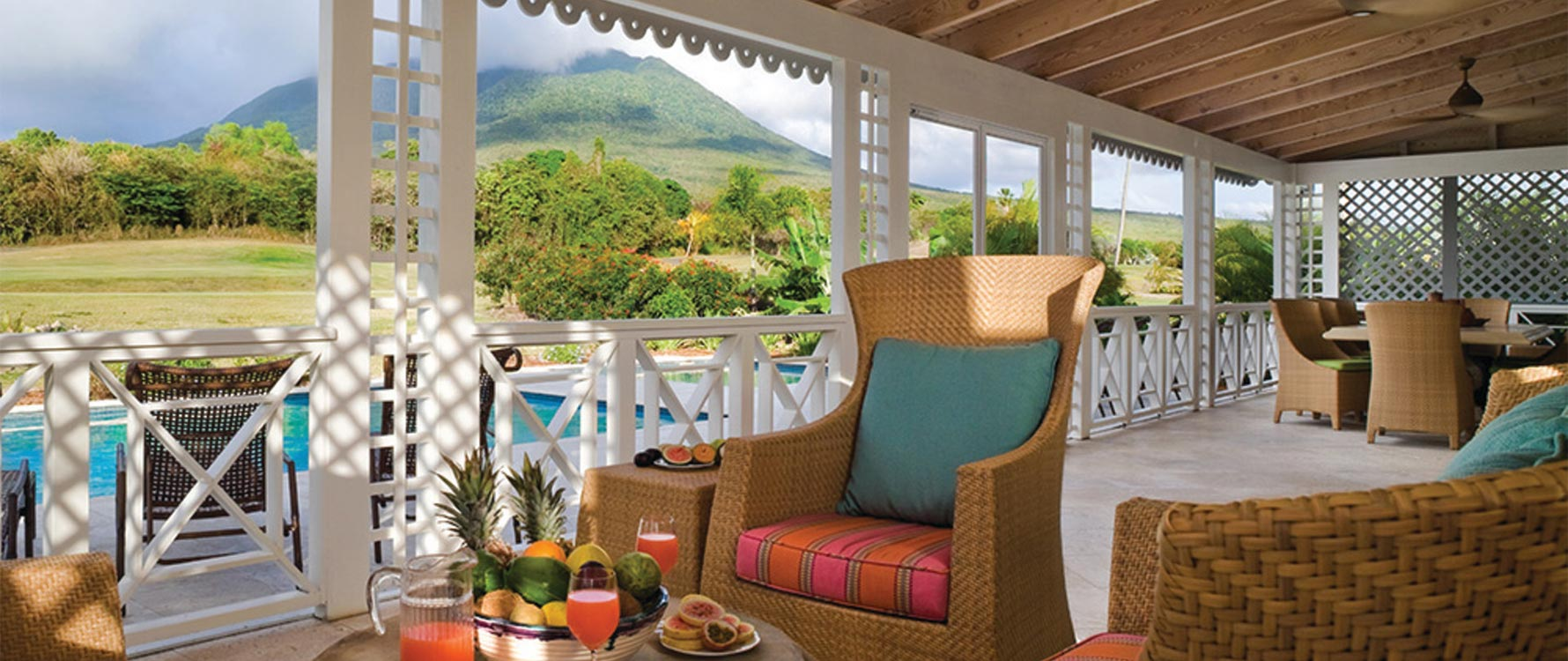 Screened veranda/ lounge area w Nevis Peak View
