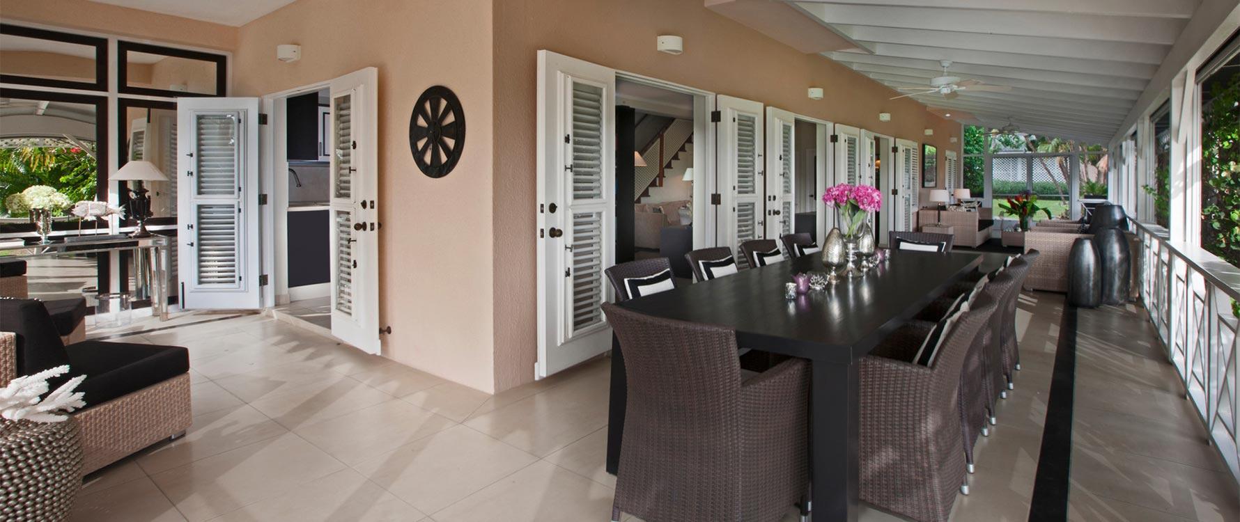 Veranda dining / living